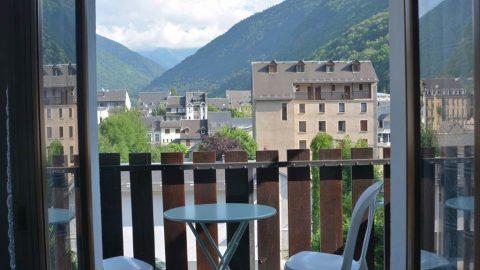 appartement-guillin-balcon-luchon