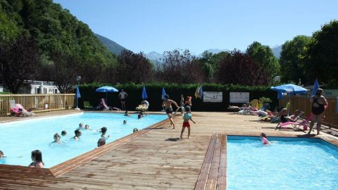 piscine-camping-pyreneen-salles-pratviel-luchon